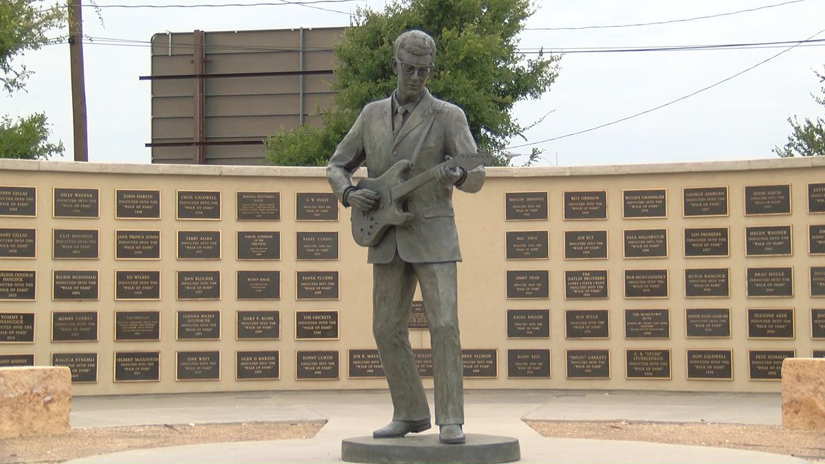 Buddy Holly statue in Lubbock, TX (Source: KCBD Photo)