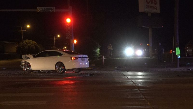One killed, five injured in crash at 82nd St and Frankford Ave, late Thursday night
