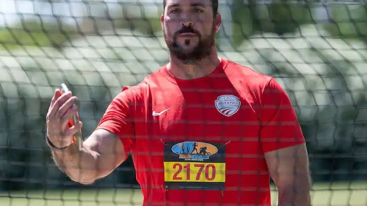 Jeremy Campbell prepares for his throw in the men's discus F64. (Photo: Sandra Tenuto)