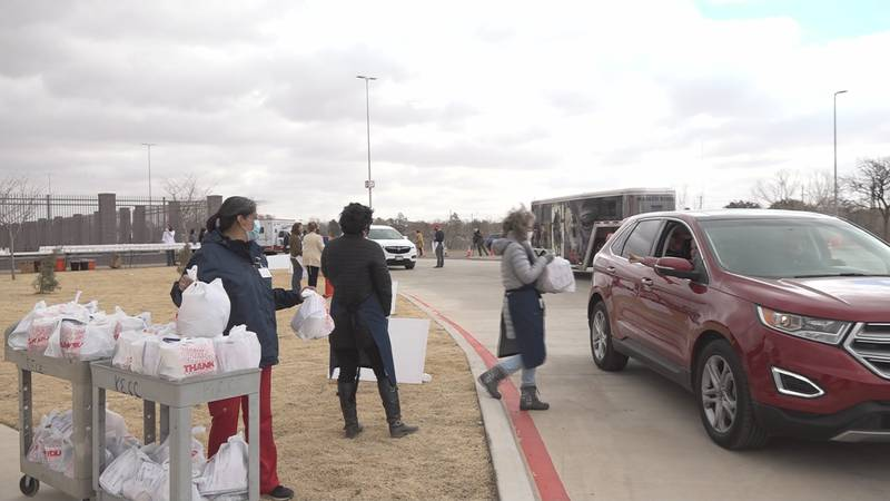 Hospice of Lubbock's biggest fundraiser turned drive-thru in 2021 due to pandemic