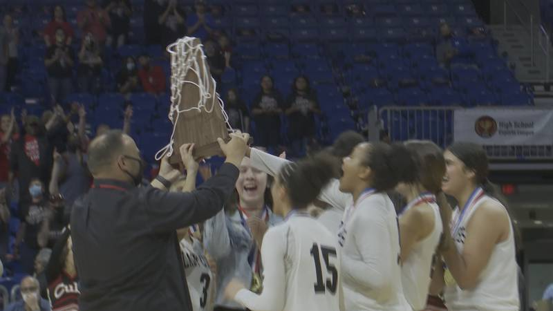 The Lady Cubs beat the Lady Eagles 68-64 in overtime in the 3A state championship game against...