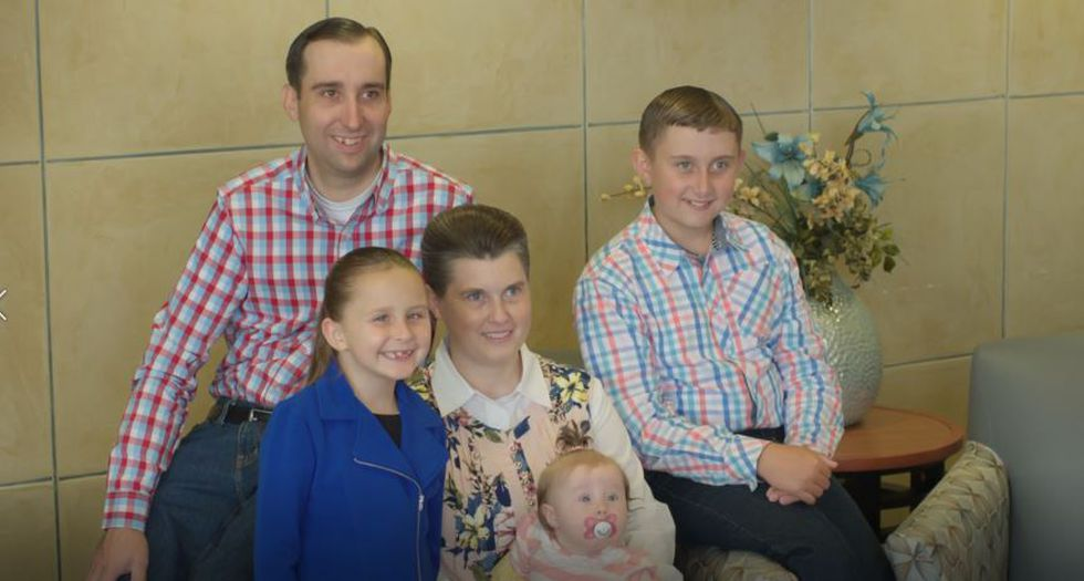 Bethany Lee and family