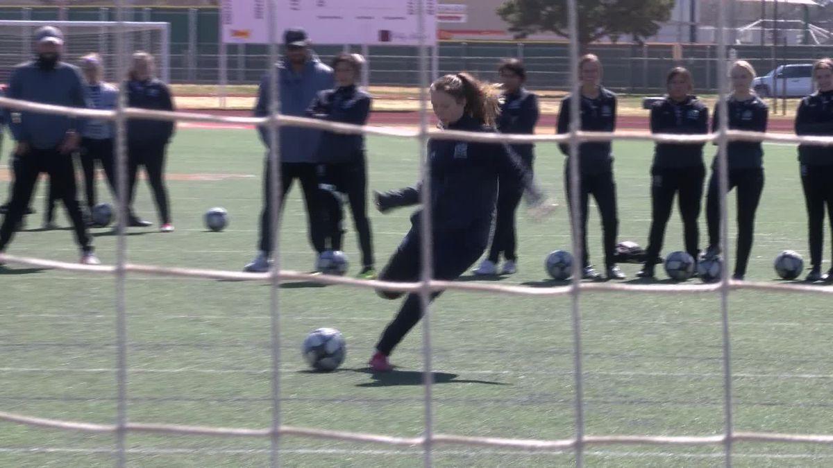 I Beat Pete: Crossbar challenge against Coronado soccer