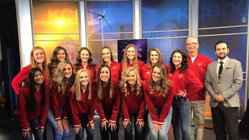 The No. 1 Shallowater Fillies are our first Hoop Madness Team of the Week.